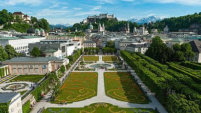 Mirabellgarten in Salzburg im Frühling mit Blick auf die Festung Hohensalzburg, ©Tourismus Salzburg, Foto: Breitegger Günter